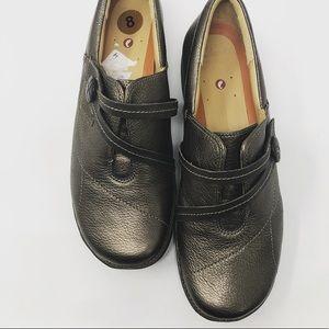 Clarks artisan gold metallic unstructured shoe 8